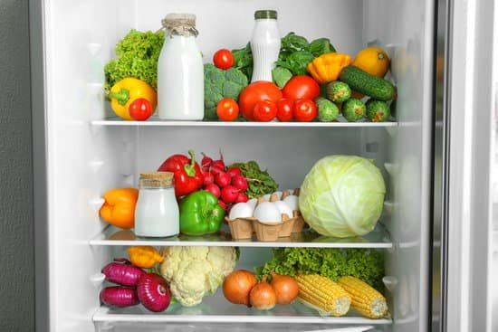 zeroth law of thermodynamics examples in which the vegetables inside the refrigerator are in equilibrium with the cold air of refrigerator
